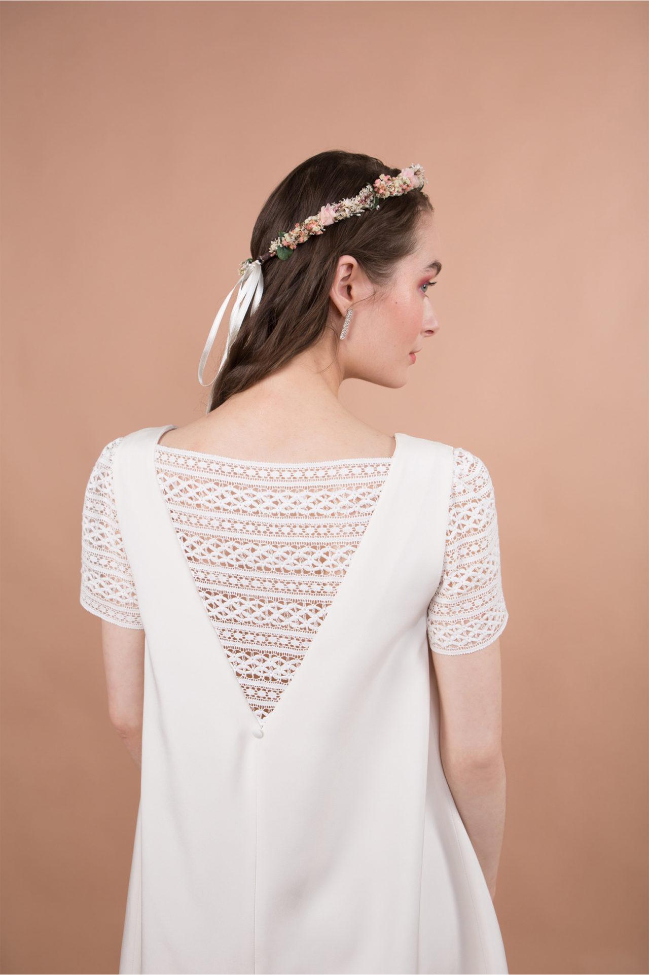 robe de mariée civile courte et dentelle graphique