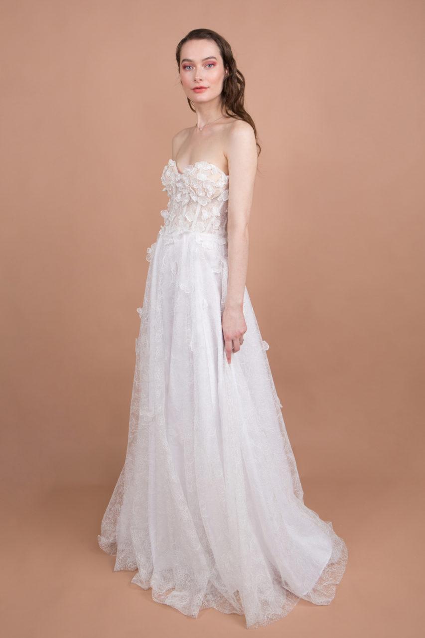 Robe de mariée bustier brodée de fleurs